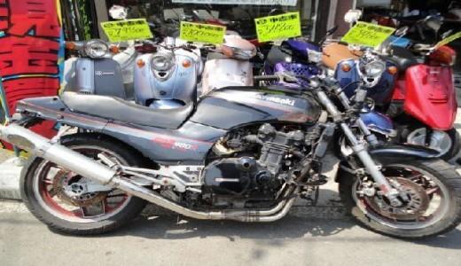 買取した1988年モデル GPZ900Rの事故車